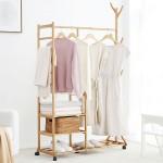 Garderobenständer aus Bambus auf Rollen, Kleiderständer mit Schuhablage und Kleiderstange für Kleid, Hose, Schuhe, Hüte