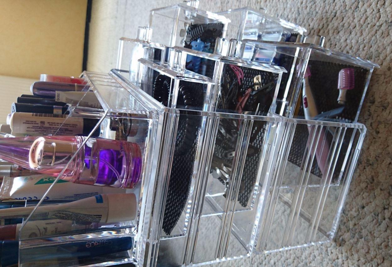 ... Sieht Fast Aus Wie Glas, Ist Stabil Und Ist Ein Kleiner Kontrast Im  Badezimmer. Die 3 Teile Des Organizers Sind Schnell übereinander Gestapelt  Und Ich ...